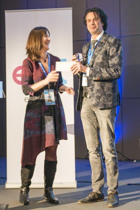 TU Delft professor Arno Smets first edX Prize Winner